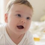 Conversar com o bebê ajuda no desenvolvimento